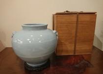 大清乾隆年製銘 天藍釉壷